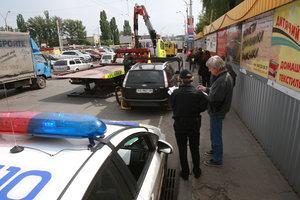 """Операция """"эвакуация"""" пока что отменяется: новые правила парковки вступают в силу только частично"""