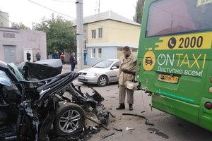 Жуткое столкновение BMW и маршрутки в Харькове: появились новые подробности