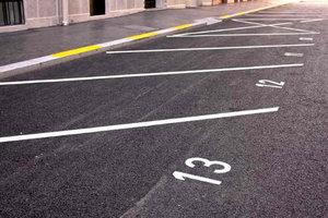 Правила парковки по-новому заработали только частично: названы причины