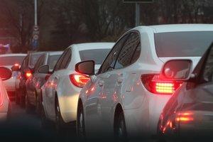 Киев парализовало: в городе километровые пробки