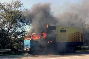 В Запорожской области прямо на трассе сгорел грузовик