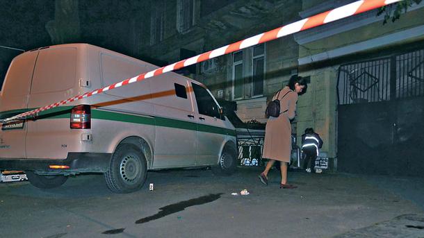 Подробности вооруженного нападения на инкассаторов в Одессе: бандитов ищут на бронетехнике