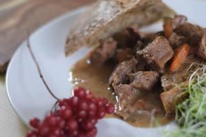 Как приготовить жаркое из говядины: рецепт от Григория Германа