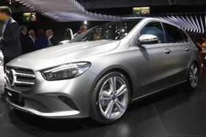 Mercedes-Benz представил микровэн B-Class нового поколения