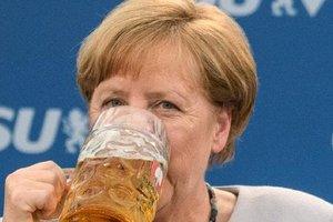 Пить или не пить: чем отличается отношение к алкоголю у Трампа, Макрона и Меркель