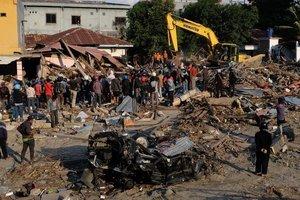 Землетрясение и цунами в Индонезии: число жертв превысило 1500 человек