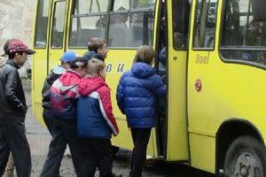 Запорожский водитель с матом выгнал школьницу из маршрутки: появилось видео и реакция соцсетей