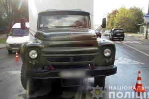 В Ивано-Франковске грузовик сбил ребенка: у мальчика  тяжелые травмы