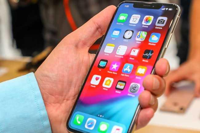 Юзеры iPhoneXS Max жалуются наверхний динамик