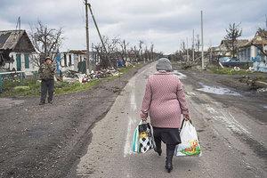 В Донецкой области на линии разграничения умерла женщина