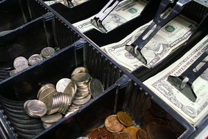Курс стабилизировался: эксперт рассказал, чего украинцам ждать от доллара