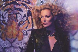 Роскошь и секс: Кейт Мосс снялась для Vogue