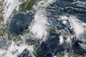 """В США шторм """"Майкл"""" стал ураганом"""