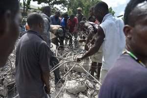 Число жертв землетрясения на Гаити возросло до 15