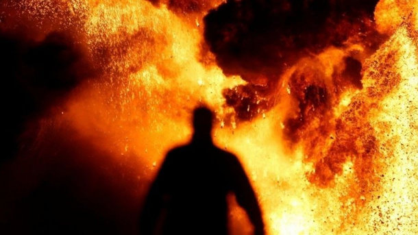 Пожар наарсенале около Ични: каждую секунду происходит 2