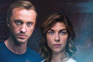 """Выжить в космосе: появился захватывающий трейлер сериала """"Происхождение"""" с Томом Фелтоном"""