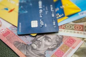 """Даже без PIN-кода: мошенники придумали новый способ """"обчищать"""" карточки украинцев"""