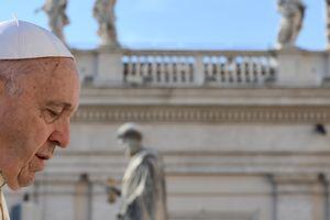 Папа Римский сказал, что общего у абортов и киллеров