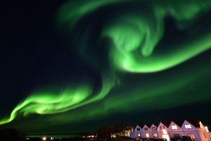 Удивительно красивое северное сияние над Финляндией сняли на видео