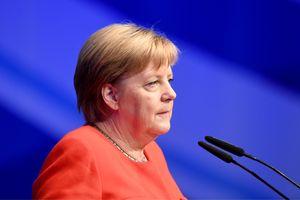 ФРГ доверяет оценке Нидерландов по кибератаке со стороны РФ - Меркель