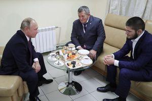 """Путин - Нурмагомедову: """"Если на нас нападают извне, то мы все можем так прыгнуть, что мало не покажется"""""""