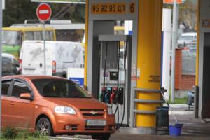 """В Украине началась """"бензиновая лихорадка"""": эксперты рассказали, чего ждать"""