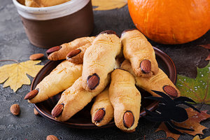 """Устрашающий десерт на Хэллоуин: печенье """"Пальцы ведьмы"""""""