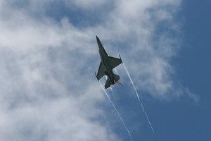 Взрыв на авиабазе ВВС Бельгии: уничтожен самолет, ранены люди