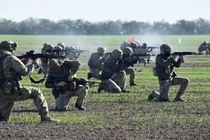"""""""Если бы нам все это в 2014-м"""": Порошенко рассказал, чем вооружали ВСУ за четыре года"""