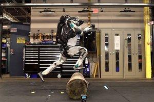 Видеошок: Boston Dynamics научила робота делать трюки