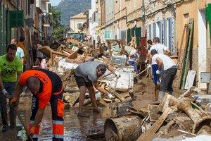 Число жертв наводнения на  испанском курорте возросло, дожди могут продолжиться