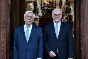 Греция требует от Германии выплатить сотни миллиардов евро репараций