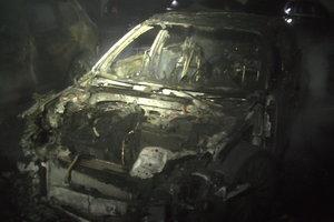 В Харькове горели пять автомобилей: появились фото и видео