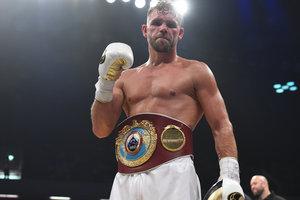 Чемпион мира по боксу отказался от титула из-за обвинений в употреблении допинга
