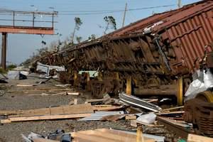 """База ВВС США стала жертвой урагана """"Майкл"""""""