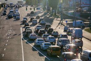 """""""Золотой"""" бензин, камеры на дорогах и счетчики тепла по-новому: что изменилось за неделю"""