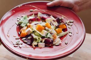 Осенний салат из свеклы и тыквы с фетой: рецепт от Григория Германа