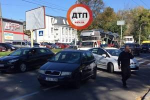 На Чоколовке таксист на ?koda сбил ребенка на переходе