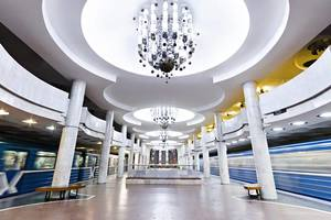 В Харькове станцию метро перекрыли из-за подозрительного пакета