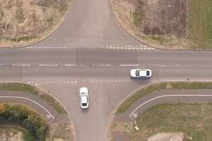 В Ford придумали как отказаться от светофоров: видео