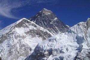 В Непале при восхождении погибли восемь альпинистов