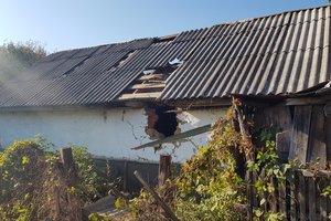 Куски бетона с неба и бомбы: репортаж из села под Ичней