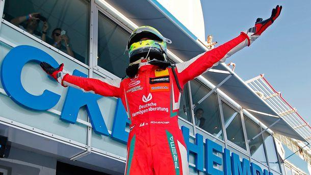 Сын Михаэля Шумахера досрочно стал чемпионом «Формулы-3»