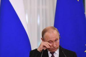 Порошенко тонко подколол Путина томосом: Кащей точно знает, в каком яйце игла