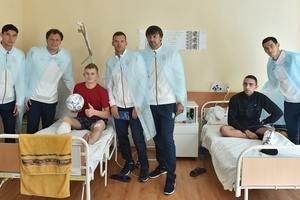 Игроки и тренеры сборной Украины поздравили военных с Днем защитника Украины