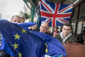 Британия и Евросоюз договорились об условиях сделки по Brexit - СМИ