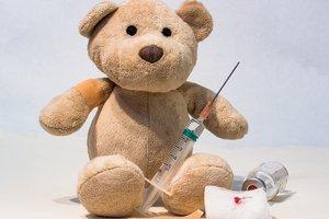 Все вакцины из календаря прививок в Украине есть — Супрун