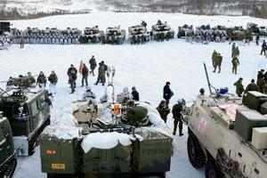 Военные РФ устроили провокации на учениях НАТО в Арктике