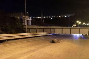 Мостопад в России продолжается: самосвал снес виадук