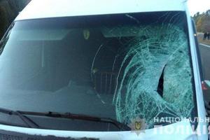 В Донецкой области микроавтобус насмерть сбил пьяного 18-летнего юношу